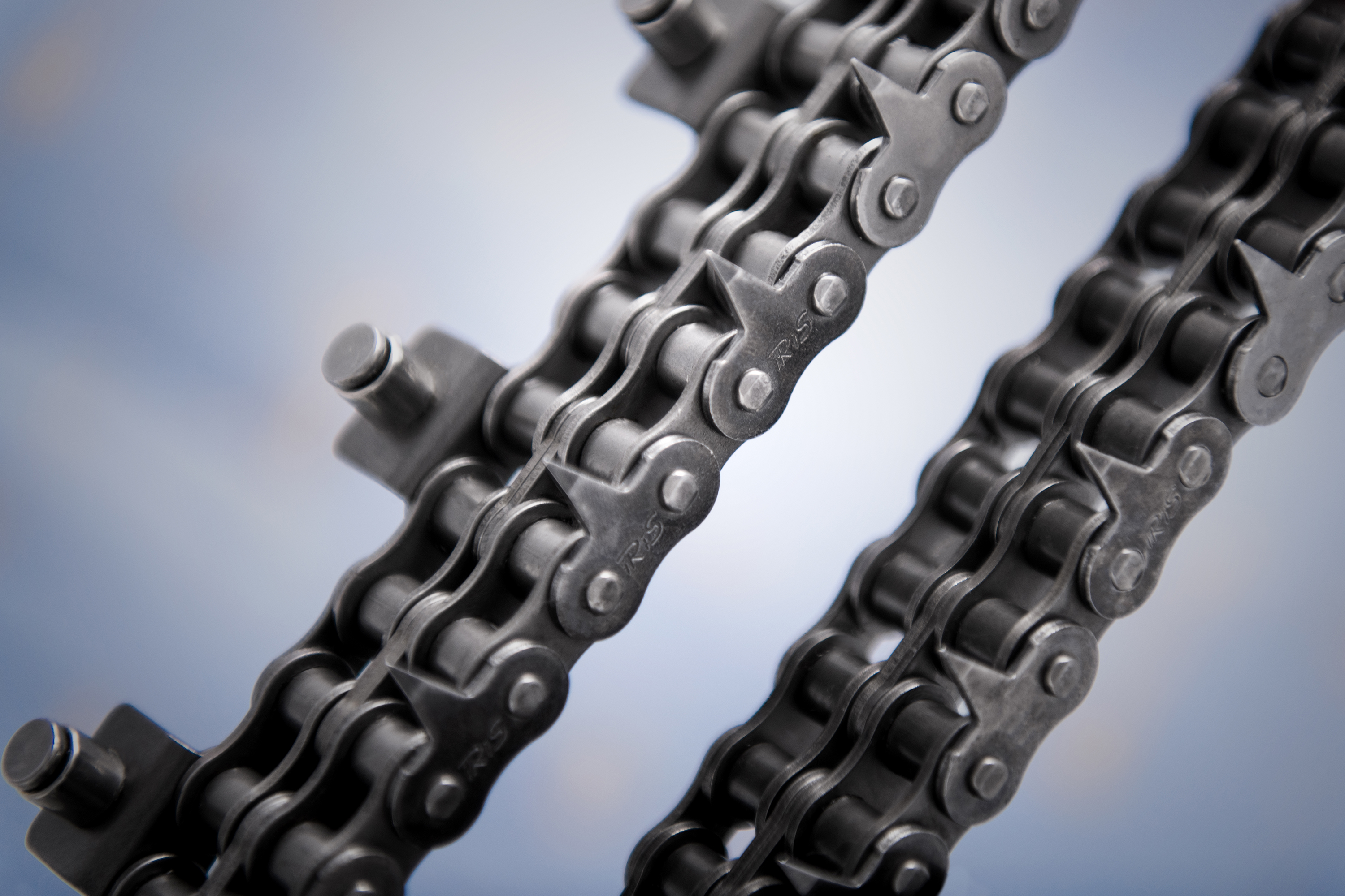 roller-chains-with-tip-shaped-plates-0720